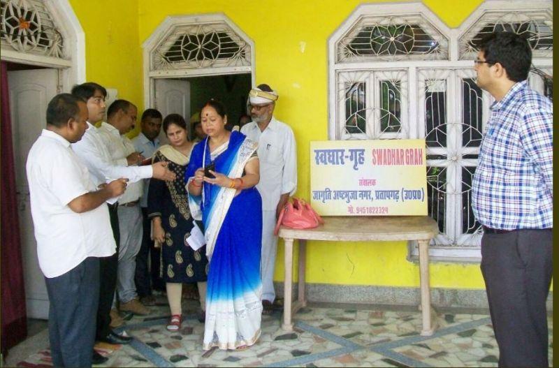 DM Shambhu Kumar pays the surprise visit to shelter homes: several women missing