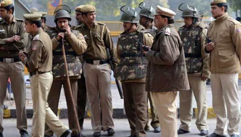 Delhi: Ahead of 72nd  Independence Day, huge explosives seized, terror suspects arrested in Bengaluru