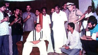 Sonia, Rahul, Manmohan and  top Cong leaders  pay tribute to Rajiv Gandhi on the birth anniversary