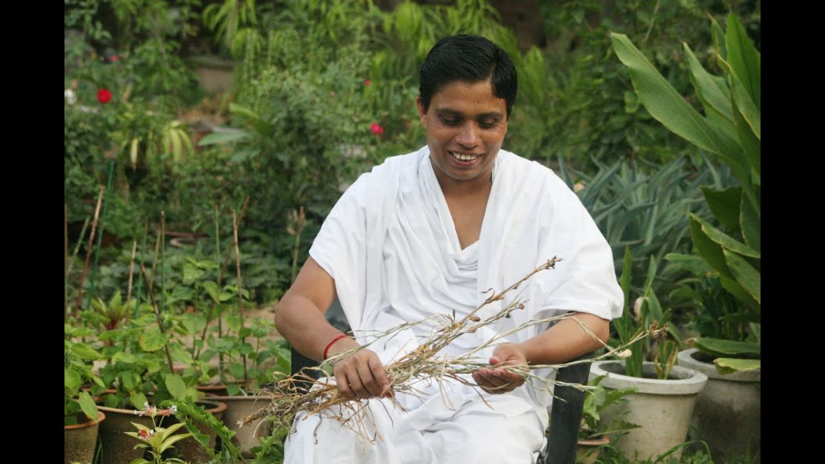 Patanjali CEO Balkrishna who used to cure diseases of others is now admitted to AIIMS