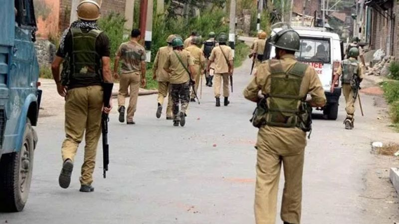 Terrorists abduct 9 relatives of policemen in 3 districts of South Kashmir in the last 2 days