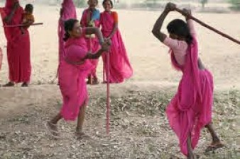 Women Support group, Gulabi Gang to step in Indore next month