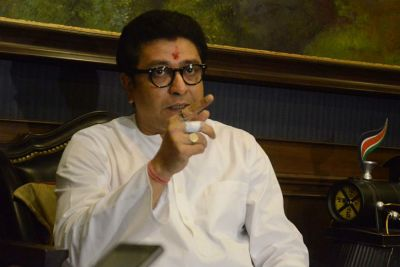 'BJP doesn't care if Anna Hazare lives or dies', says  Raj Thackeray