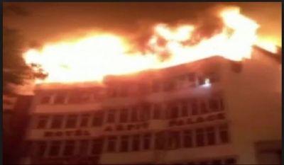 Delhi: Fire broke out at Karol Bagh hotel, 9 dead