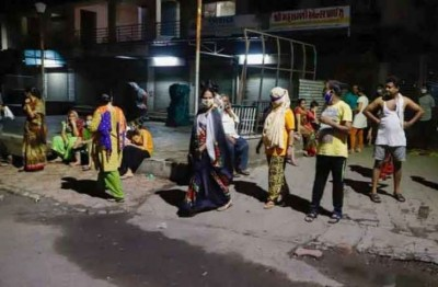 Earthquake in high velocity Shakes Kashmir, People Run Out Of Homes