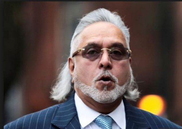 Why don't the Banks take the money lent to KFA, I am offering to pay off: Vijay Mallya