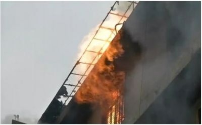 Delhi: Two massive fire incidents in the last two days, greeting card factory fire broke out