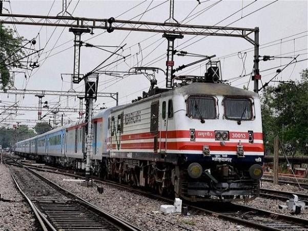 11 महीने बाद कश्मीर घाटी में रेल सेवाएं फिर से होंगी शुरू