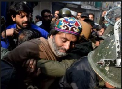 Kashmiri separatist leader Yasin Malik detained in wake of the SC  hearing on Article 35A