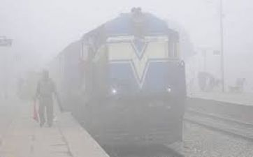 Fog immerse Delhi, 22 trains cancelled and 30 delayed