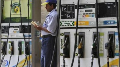 Petrol prices fall, diesel continoues to rise
