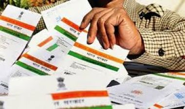 SC's Constitution Bench to take up again hearing in Aadhaar stuff today