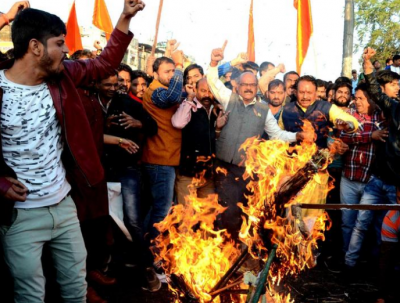 'Padmaavat' Clash: Man tries to burn himself in Varanasi
