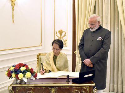 Delhi:PM Modi holds bilateral talks with ASEAN Leaders