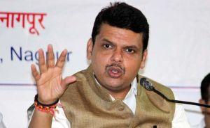 Devendra Fadnavis pays tributes to soldiers who died in Kashmir's avalanches