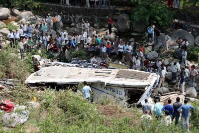 Bus collapses in a deep ditch in Uttarakhand, 45 killed, many injured