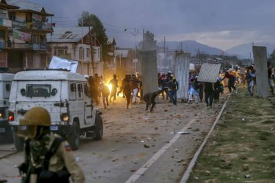 3 Civilians, a Teen Girl, Killed in Alleged Firing by Forces at Stone-Pelters in JK