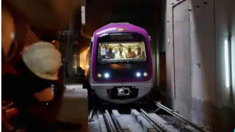 कर्नाटक सरकार ने बेंगलुरू में रात 9 बजे तक मेट्रो सेवा में दी छूट