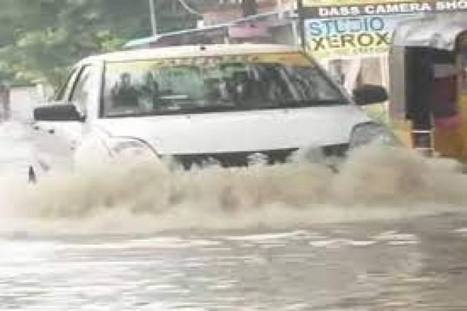चेन्नई मौसम विभाग ने तमिलनाडु के दस जिलों में भारी बारिश का लगाया अनुमान