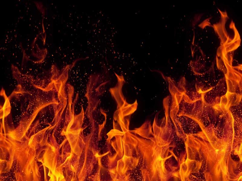 उद्योग नगर की जूता फैक्ट्री में आग लगने से मचा हाहाकार,  कई कर्मचारी हुए लापता