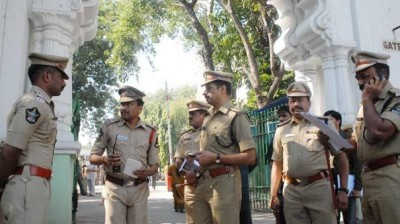 The Sub-inspectors and Circle inspector rescued a person to commit suicide