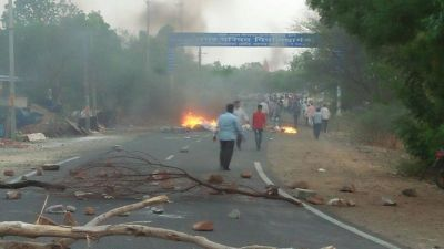 Rs. 1 Crore Compensation to Families of Deceased in Mandsaur firing; govt. job to a family member