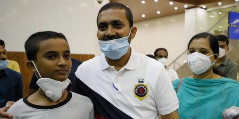 केरल लौटे संयुक्त अरब अमीरात में मौत की सजा से बचाए गए बेक्स कृष्णन
