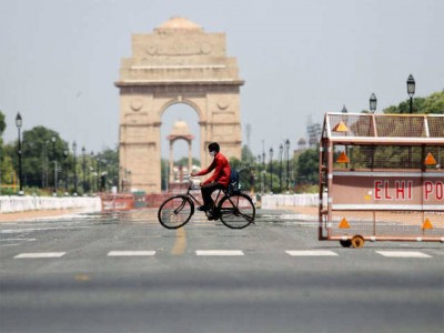 Delhi weather: Expect hot, dusty day says IMD