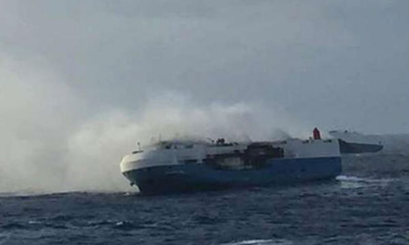 Research ship catches fire at Mangaluru coast, 46 peoples rescued