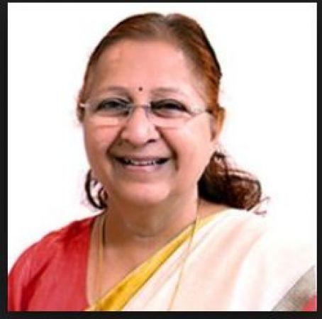 LokSabha Speaker Sumitra Mahajan returned protocol vehicle and security