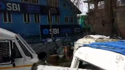 Another hurled of grenade at a CRPF post in Pulwama within 24 hours, one jawan injured