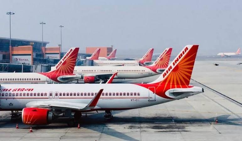 टीकाकरण की मांग कर रहा एयर इंडिया, पायलटों ने दी ' काम बंद ' करने की धमकी