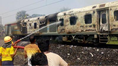 Fire breaks out in New Delhi-Bhubaneswar Rajdhani Express near Khantapada
