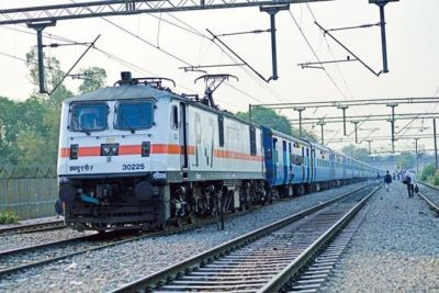 Railways to pay Rs 10,000 to passenger for power failure
