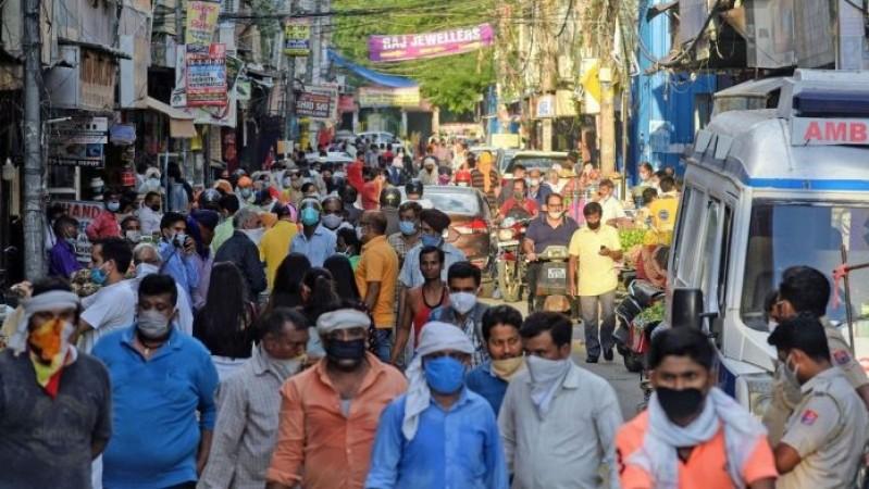 तेलंगाना में लॉकडाउन के बाद भी बढ़ रही लोगों कीं  लापरवाही, कर रहे कोरोना नियमों का उल्लंघन