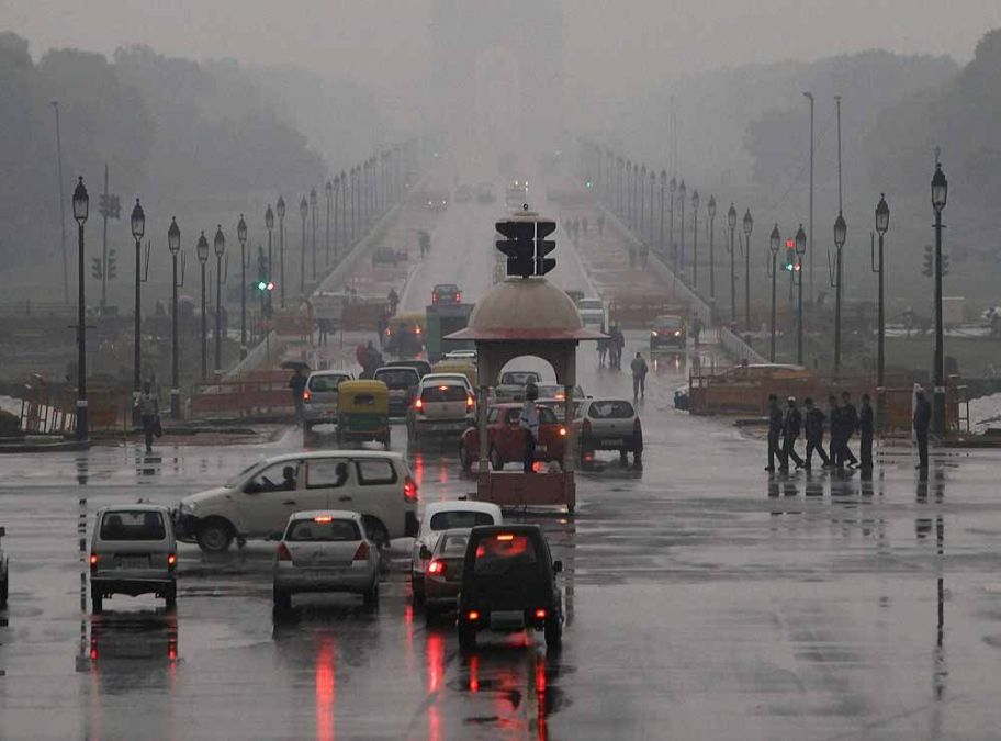Rains in Delhi provide relief from the scorching heat
