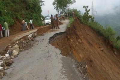 Landslide on Rishikesh-Badrinath, roads to re-open today