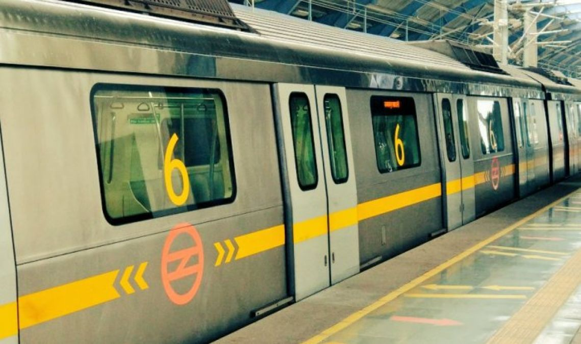 Technical glitches create an issue for Metro travellers