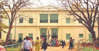 Students of Visva Bharti University continue to protest, Locked teachers