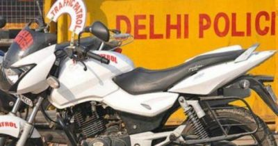 As a weird incident, police patrolling bike got stolen in Delhi