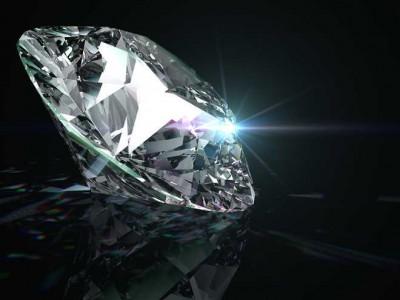 Farmer find precious diamond in the field worth Rs one crore