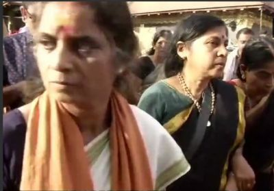 A 52-year-old woman devotee whose entry to Sabarimala temple opposed by protesters, offered prayers under police protection