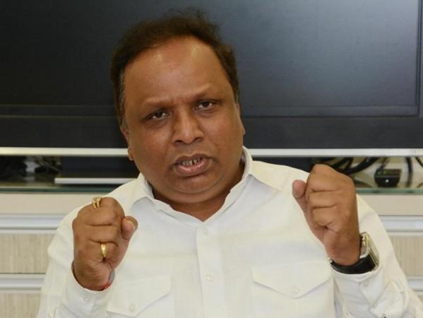 भाजपा विधायक ने स्कूलों को फिर से खोलने पर महाराष्ट्र सरकार पर किया पलटवार