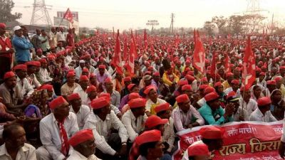 20,000 farmers marching to Mumbai demanding loan waiver, drought compensation