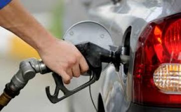 Petrol price cut to Rs 75.57 in Delhi, down nearly Rs 4 in November- Check details here