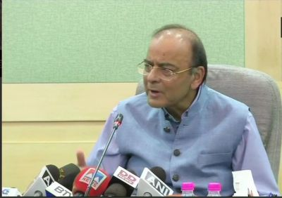 Fuel prices cut by Rs. 2.50 / litre:  Finance Minister Arun Jaitley announces