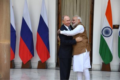 India signs Deal for five Russian S-400 Triumf missile shield systems with Russia