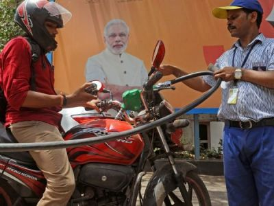 Petrol, Diesel price again  increased, In Mumbai petrol price crosses Rs. 90 mark