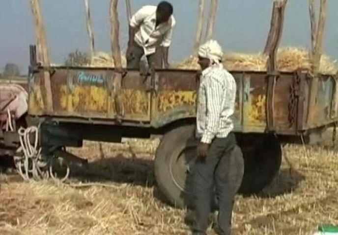 PM मोदी के पहुंचने से बढ़ा किसानों का दर्द