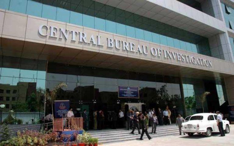 CBI के निशाने पर केन्द्र सरकार के 2,200 अधिकारी